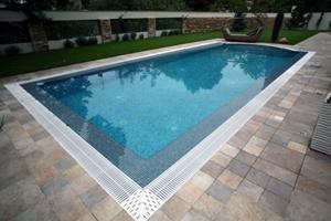 constructie piscina beton
