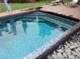 mozaic alb-negru piscina