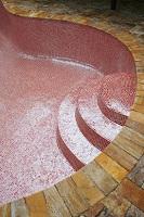 mozaic visiniu piscina